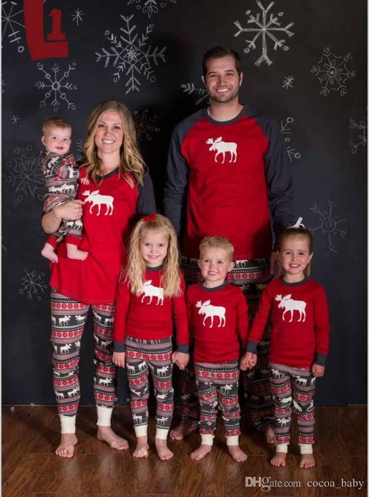 Compre Pijamas Familiares De Navidad 2017 Alces De Murcielago De