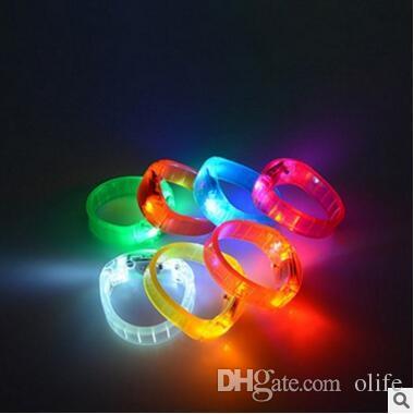 Controllo del suono Led Braccialetto lampeggiante Light Up Braccialetto Wristband Musica Attivato Night light Club Attività Party Bar Disco Cheer toy DHL