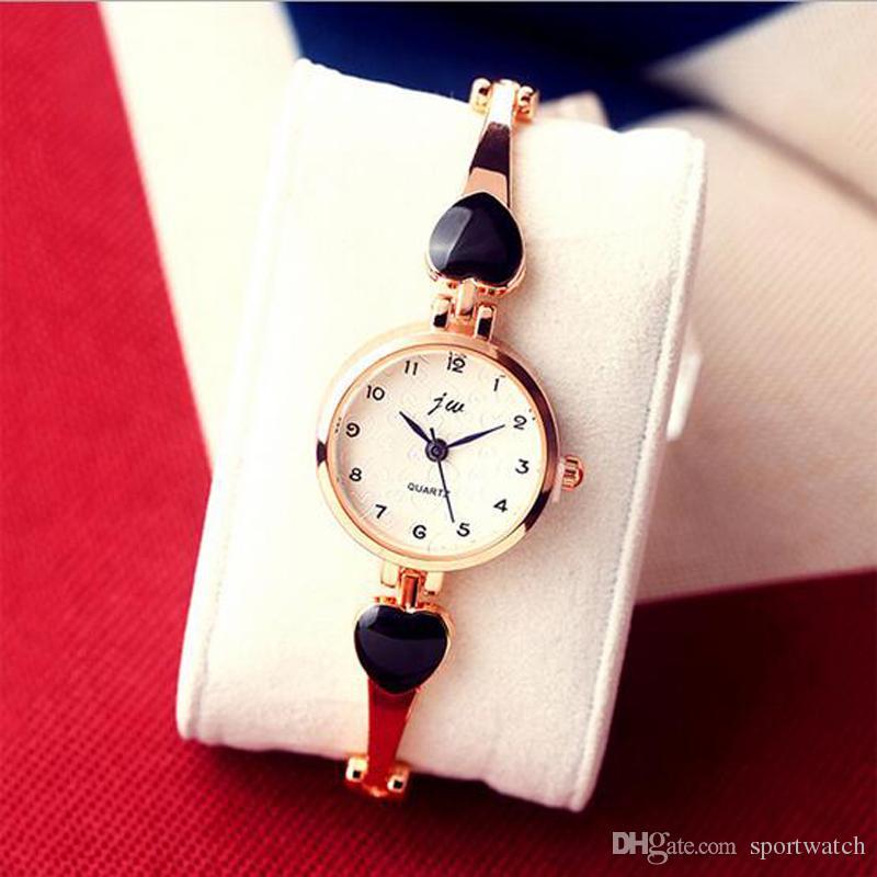 Women Casual Love Heart Bracelet Quartz Watches New Students Fashion Brief Quartz Wrist Watches Lady Fashion All-Match Watches