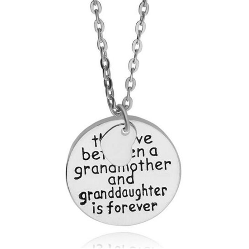 여성 남성 할머니 손녀 펜던트 체인 목걸이 보석 선물을위한 알파벳 문자 하트 실버 목걸이를 조각 빈티지 원형