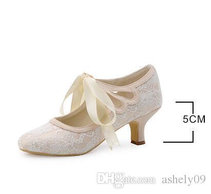 Kadın Ayakkabı Saten Üst Orta Biriktirme Topuk Kapalı Toe Biriktirme Topuk Şerit Kravat Ile Düğün Gelin Ayakkabıları Pompalar