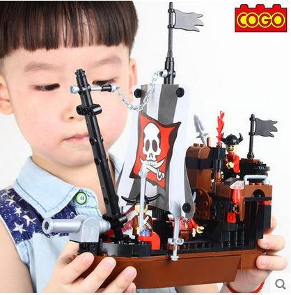 COGO Pirate Series 13118 Pirate Ship 167 pcs Building Block Sets Educational DIY Bricks Toys