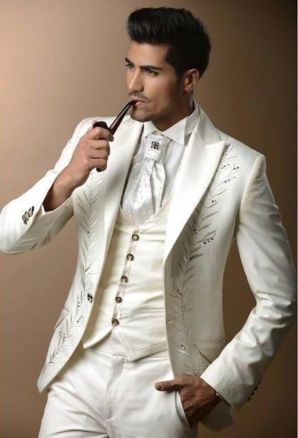 Slim Fit Broderie Groom Blanc Smokings Hommes Vêtements Costumes D'affaires Man Party Prom Blazer Costumes Sur Mesure (Veste + pantalon ++ Cravate + Gilet) NO: 178