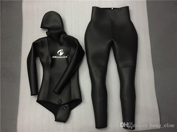 Veste noire et pantalon massif de plongée haute de haut niveau