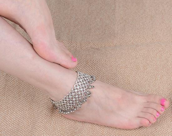 Europa und den Vereinigten Staaten Retro Anklet Glöckchen Troddelfrauen Strand Füße Zubehör