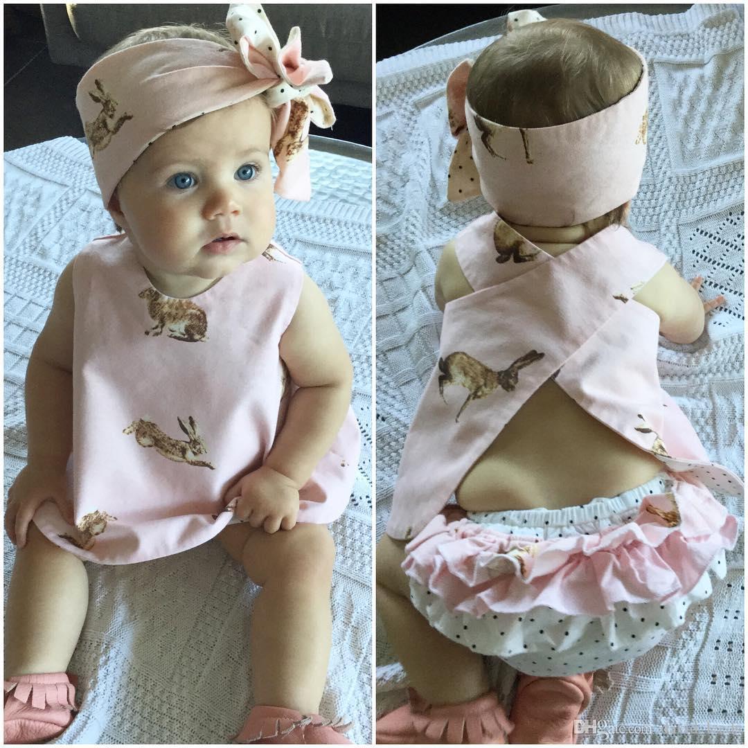 여름 새 아기 여자 의상 유아용 토끼 민소매 가슴 십자가 + 폴카 도트 반바지 + 머리띠 3PCS 세트 여자 의류 세트 아동복