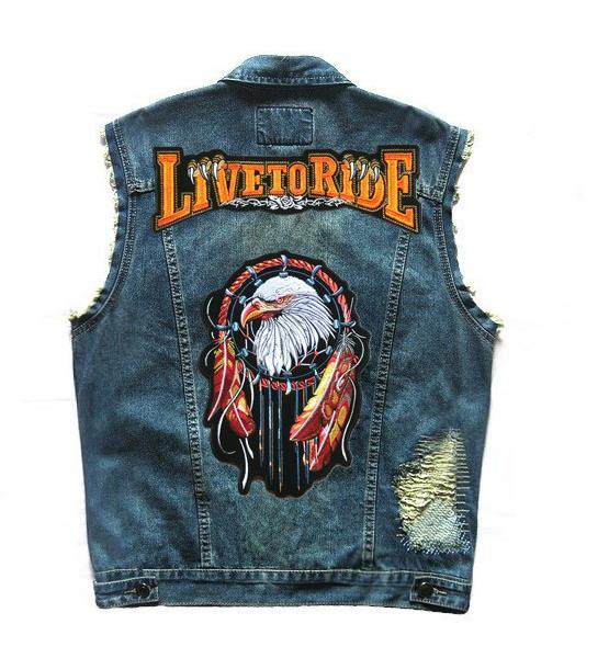 Al por mayor-Motocicleta Club Denim Chaleco de los hombres de la vendimia Sleevess Badge remache bordado Eagle Pattern Design Patch apenado Biker Ride Chalecos