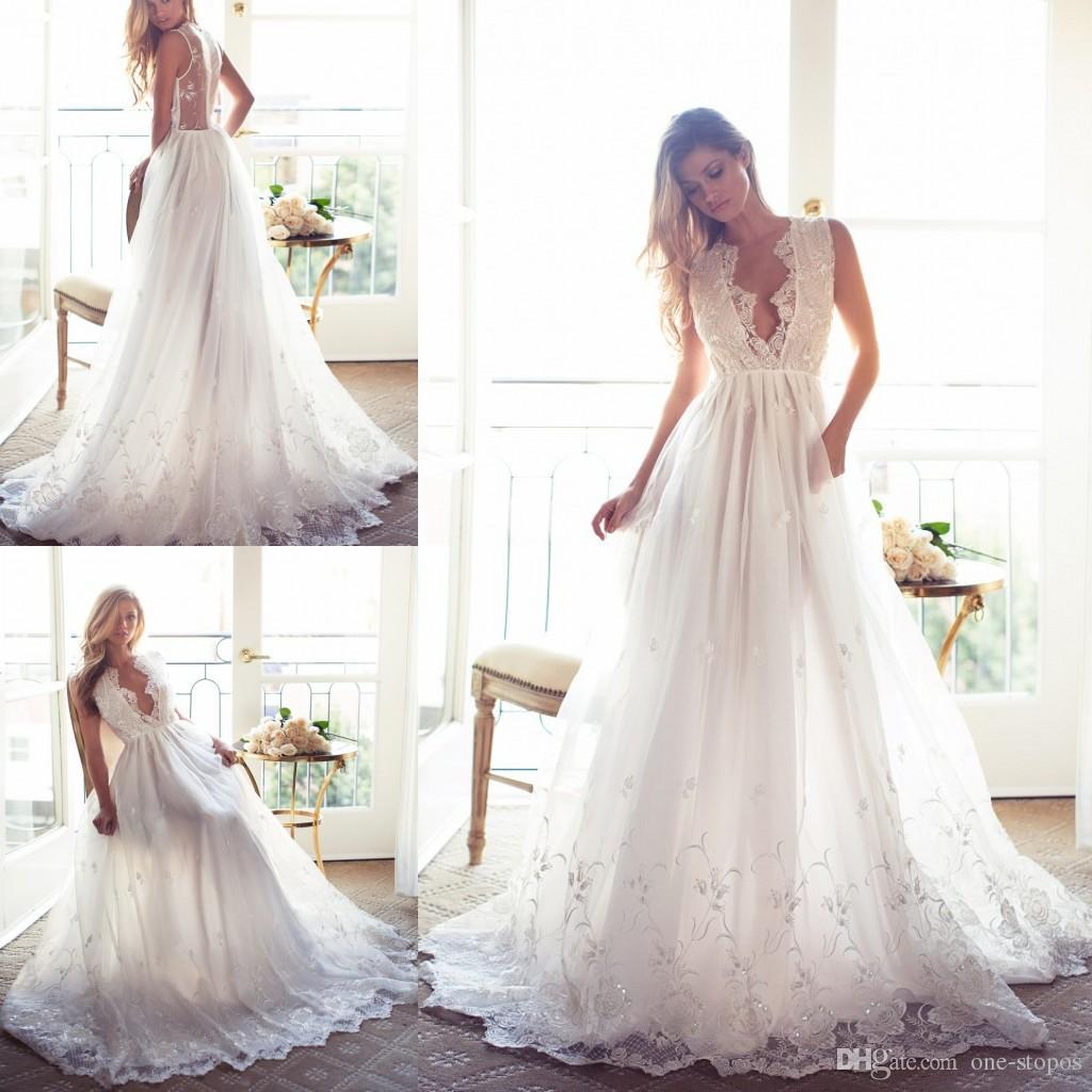 2017 A Line Brautkleider Spitze der reizvollen tiefen V-Ausschnitt Sheer Backless Appliques Sweep Zug Brautkleider nach Maß White Wedding Dress
