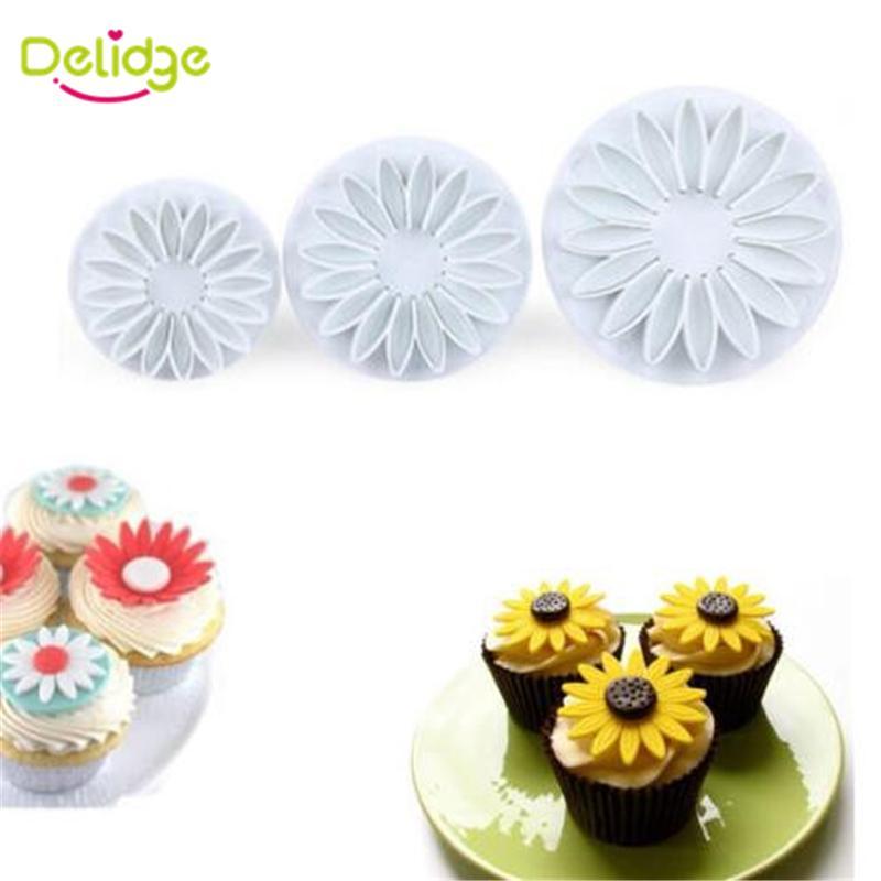 Wholesale- 3-4 pcs/Set Sunflower Maple Leaf Shape Cookie Mold Plastic 3D Spring Press Cookie Cutter Fondant Cake Decoration Mold Set
