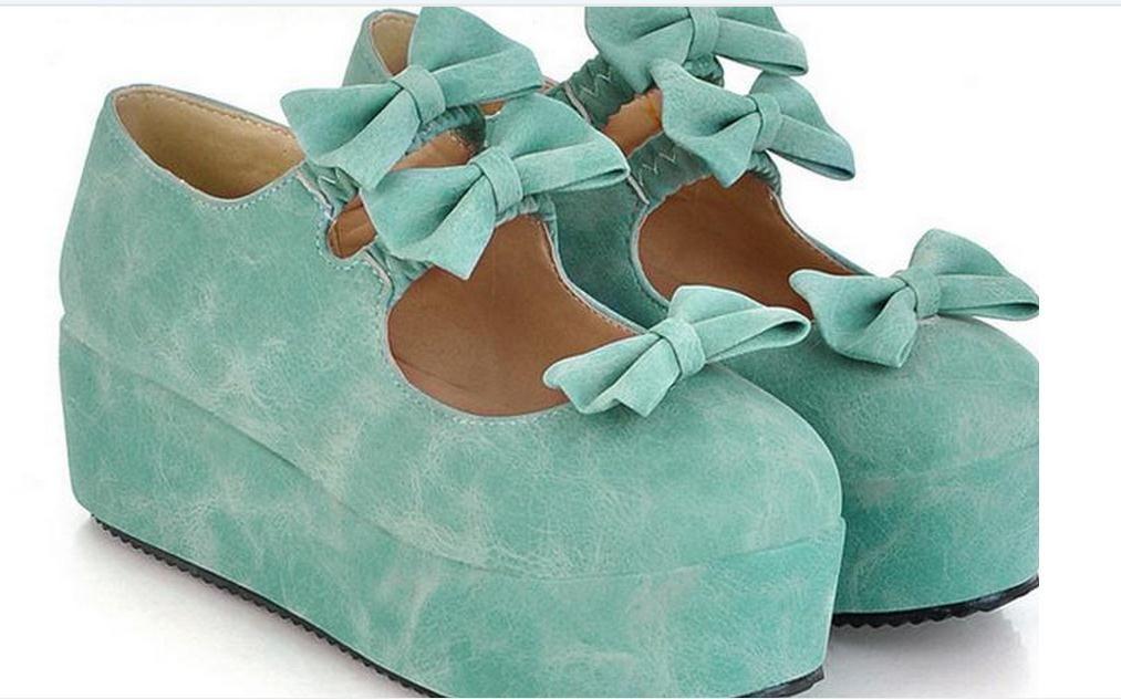 Keilschuhe der Schuhe der Frauen der Schuhe der Schuhe