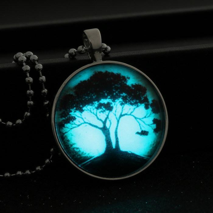 Großhandels-Baum des Lebens Glas-glühende hängende Halskette Glühen im dunklen Halsketten-Edelstahl-langkettige leuchtende Glascabochon