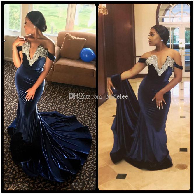 세련된 오프 어깨 파란색 인어 이브닝 드레스 2020 섹시한 V 넥 크리스탈 네이비 블루 벨벳 abendkleider 댄스 파티 가운