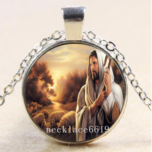 10pcs collier de chaîne de Jésus et de moutons, cadeau d'anniversaire de Noël, collier en verre de Cabochon argent / bronze / noir pendentif de bijoux de mode