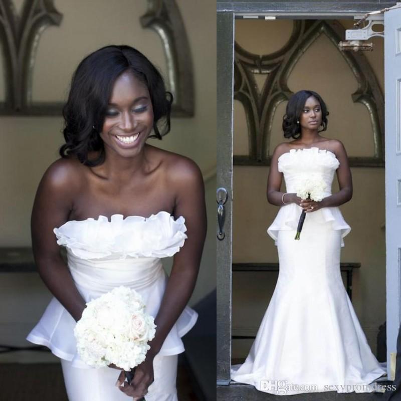 Semplici abiti da sposa bianchi 2018 sexy senza spalline sirena abiti da sposa ramo rotuffo peplo backless sudafricano a buon mercato matrimonio vestidos