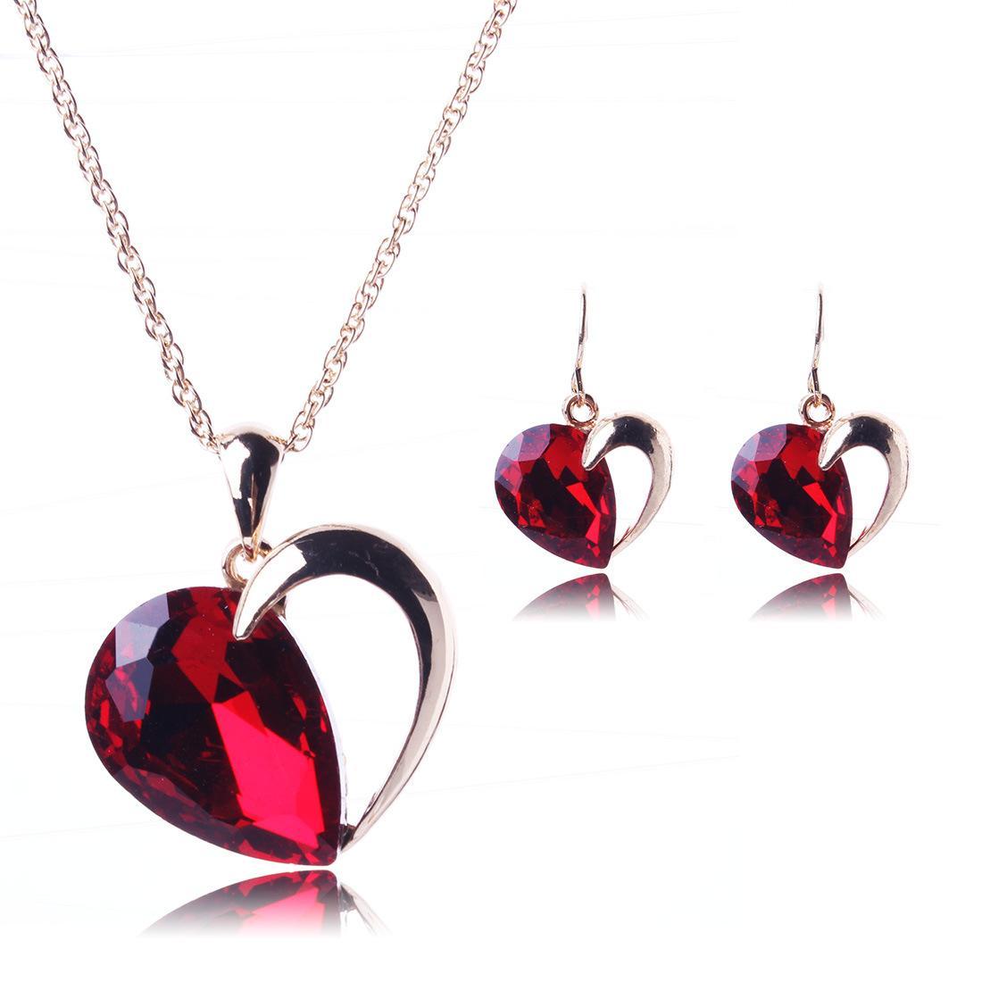Set di gioielli in argento con ciondolo a forma di ciondolo in cristallo rosso placcato da donna