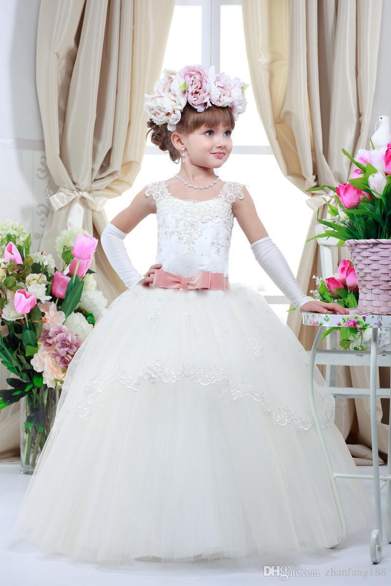 Kid bonito Pageant Vestidos Para Presentes de Festa de Aniversário de Casamento Elegante Apliques Belt Comunie Criança Da Criança Vestidos de Baile Vestidos Da Menina de Flor