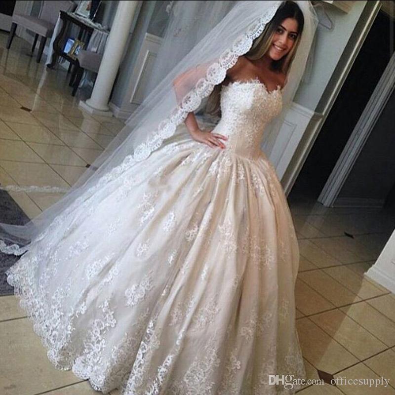 Wunderschöne Spitze Ballkleid Sweetheart Brautkleider Prinzessin Rüschen Plus Größe Braut Kleid Brautkleider