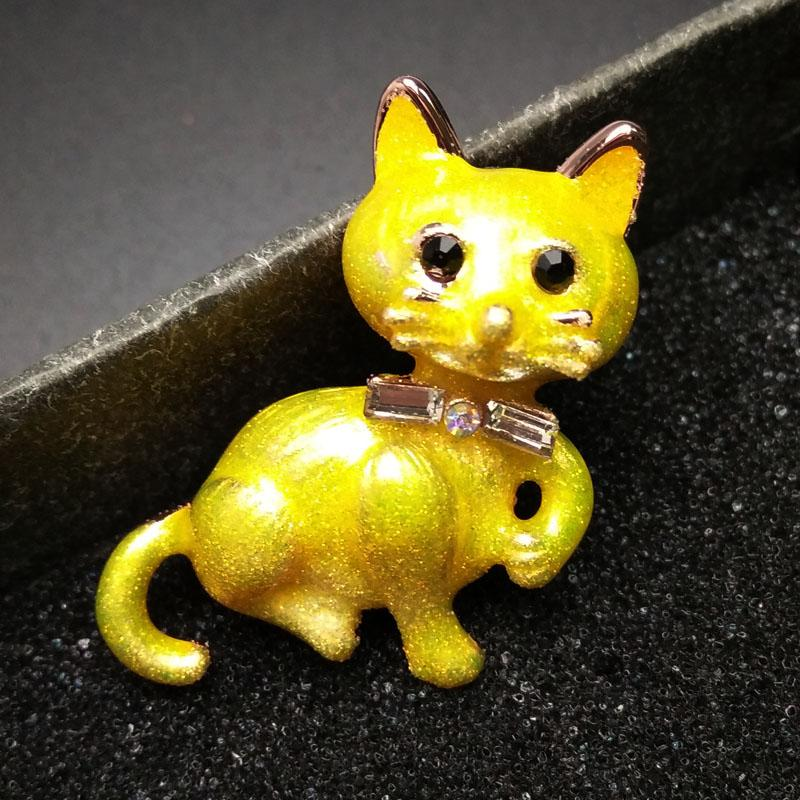 CINDY XIANG 2 Colors Available 2017 Spring Enamel Cat Brooches For Women Cute Animal Brooch Pin Bijouterie Fashion Jewelry Kids