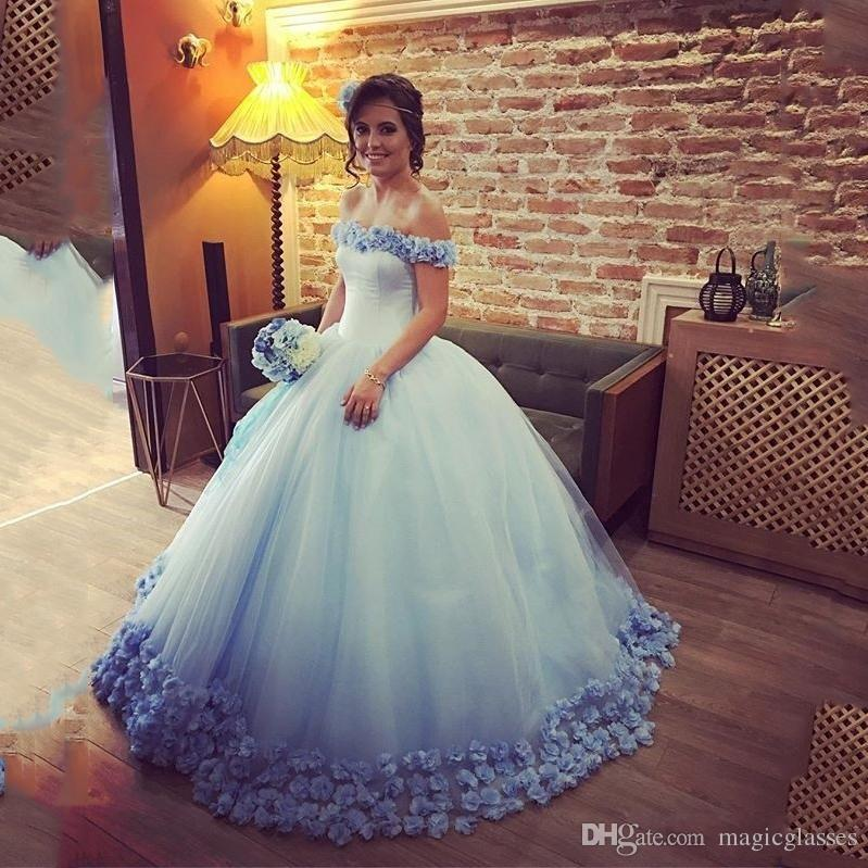 Quinceanera Dresses Light Sky Blue Ball Gowns 오프 쇼콜츠 코르셋 Hot Sweet 16 Prom Dresses with Hand made Flowers