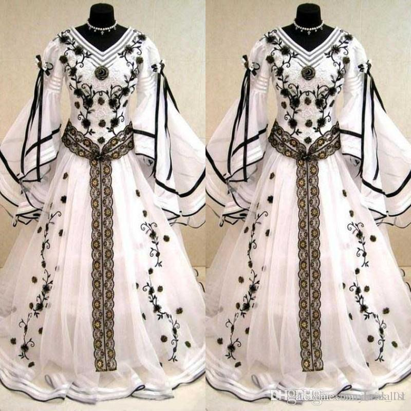 Medieval Vintage 2019 Black And White Long Sleeves Wedding Dresses Gothic V Neck Embroidery Applique Long Bridal Gowns Custom Made EN04241