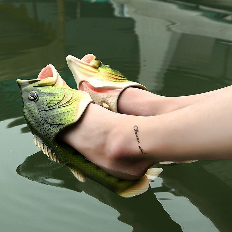 2017 Recién Llegado Creativo Divertido Zapatillas con Forma de Pescado Mujeres Verano Peces Chanclas Impresión de Mano EVA Diapositivas Zapatillas de Playa
