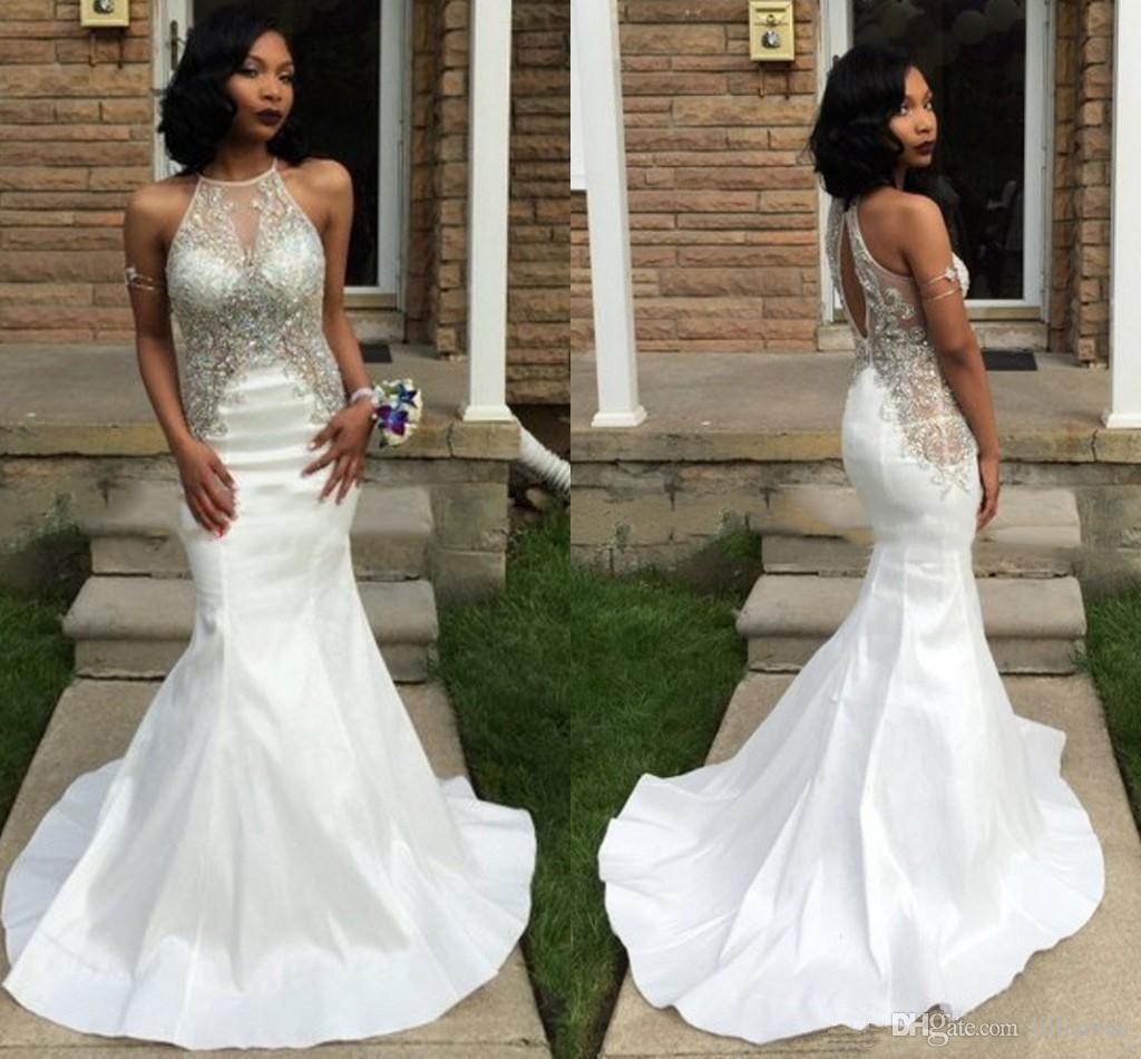 Sparkly Beaded Rhinestone Prom Dresses 화이트 인어 이브닝 가운 8 학년 졸업장 홀터 티 파티 드레스 오픈 백 Sweet 16