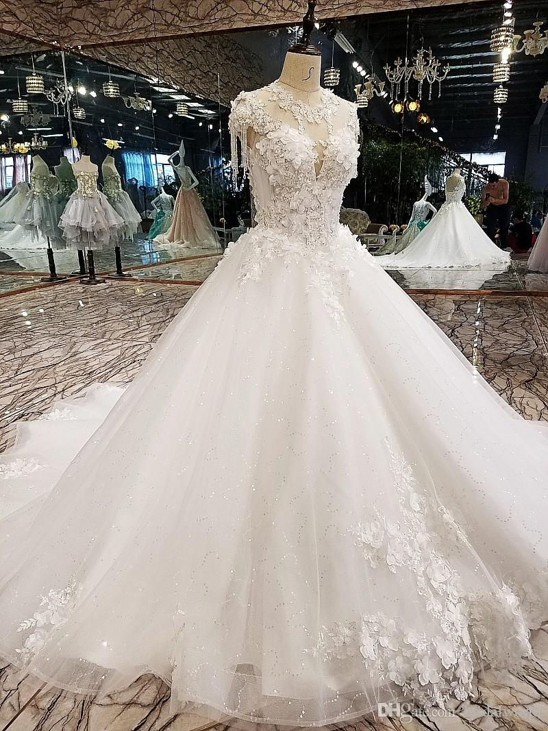 Luxury Korean Wedding Dresses 2018 Floral Champagne Ivory Beaded