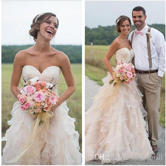 Vintage 2019 Blush Pink Backless Ruffles Beach Wedding Dresses Country Lace Sweetheart Tiered Skirts A-line Boho Bridal Gowns Court Train