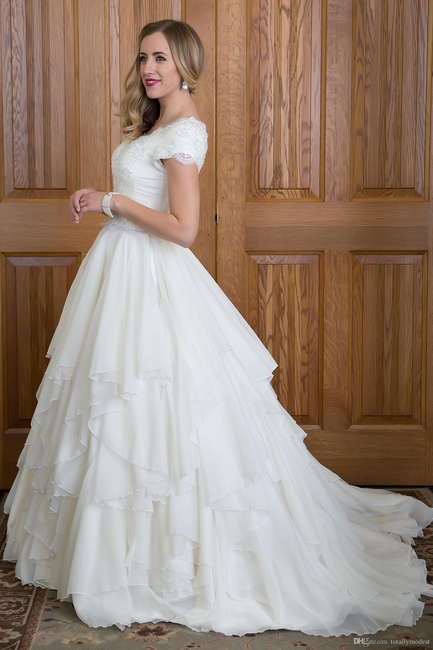 Ball Gown Modest Wedding Dresses With Sleeves Beaded Lace Ruffles
