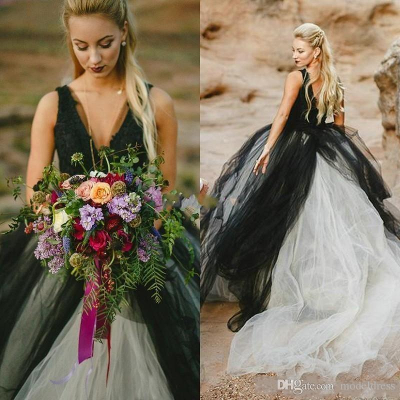 2019 New Gothic Country Wedding Dresses V Neck Appliques Open Back Black and White Sweep Train Tulle Beach Bridal Gowns Cheap Custom Made