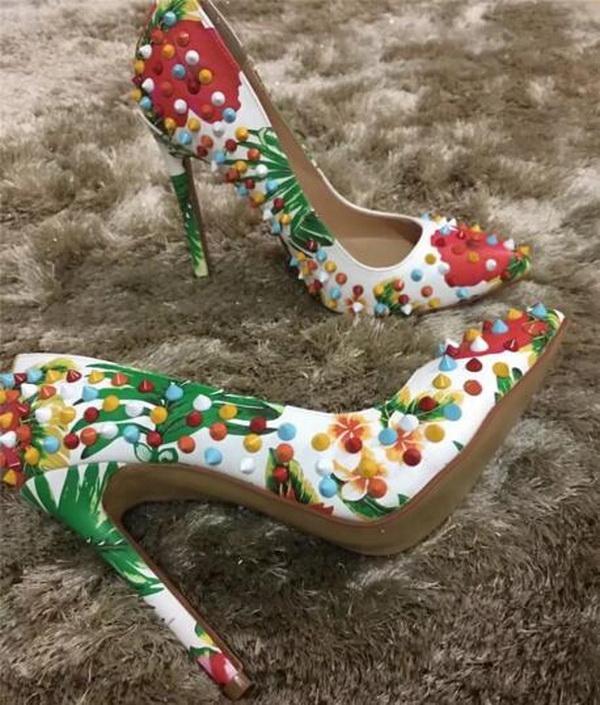 وصول جديدة فاخرة النساء مضخات مثير الملونة المسامير عالية الكعب ، نساء العلامة التجارية أشار أصابع أحمر أسفل حزب اللباس أحذية الزفاف حجم 34-45