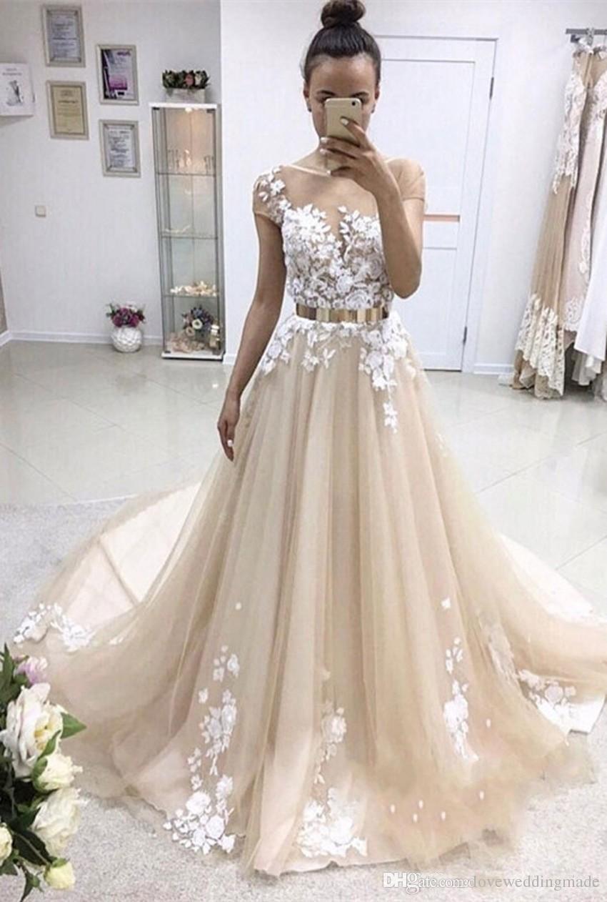 Cap Sleeve Champagne Abendkleider 2018-Spitze / Tüll Sheer Ausschnitt Sweep Lange Brautpartei-Kleid-formale Abendgarderobe