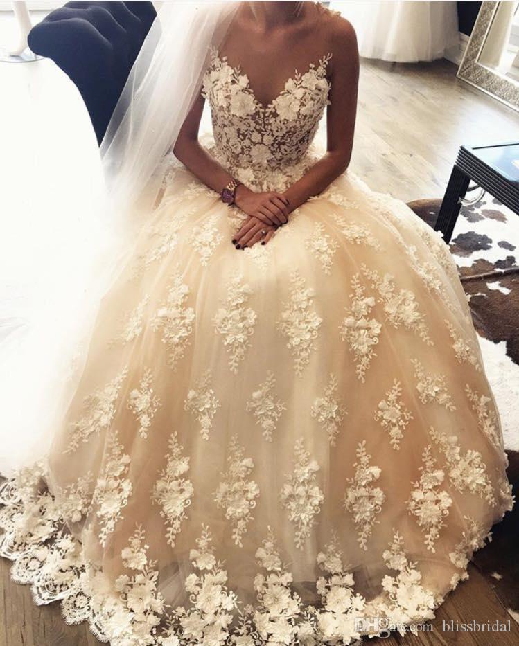 Exquisite Lace A-Line Sweetheart Wedding Dresses Sweep Train 3D-Floral Appliques Puff Custom Made White Bridals Gown