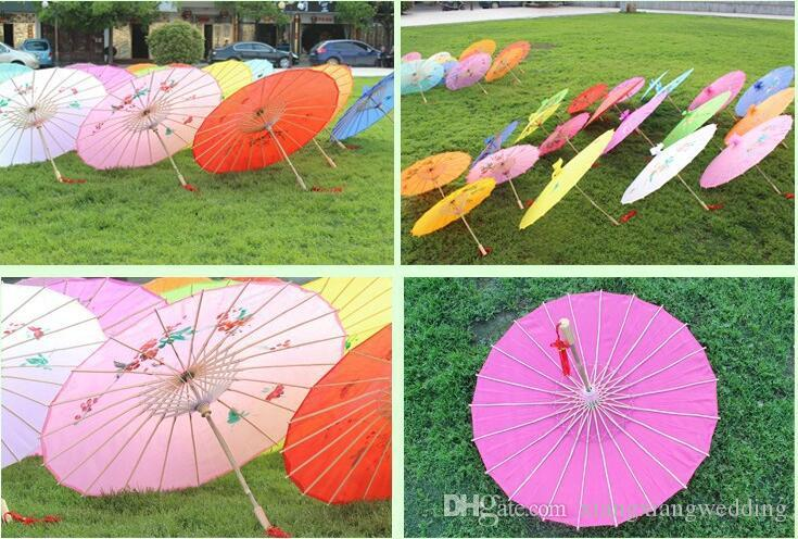 """Parasol De Mariage Poignée En Bambou À La Main Chinois Classique Style Classique Parapluie Bumbershoot Décorer 10 couleurs Fait À La Main 33 '' / 22 """"Diamete"""