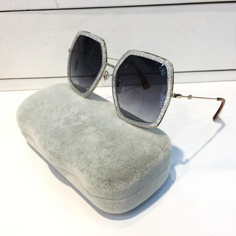 0106S Lunettes de soleil Femmes Fashion Square Big Style d'été Couleur Mixte Cadre de couleur Top Qualité UV Protection Lens viennent avec cas modèle de vente à chaud