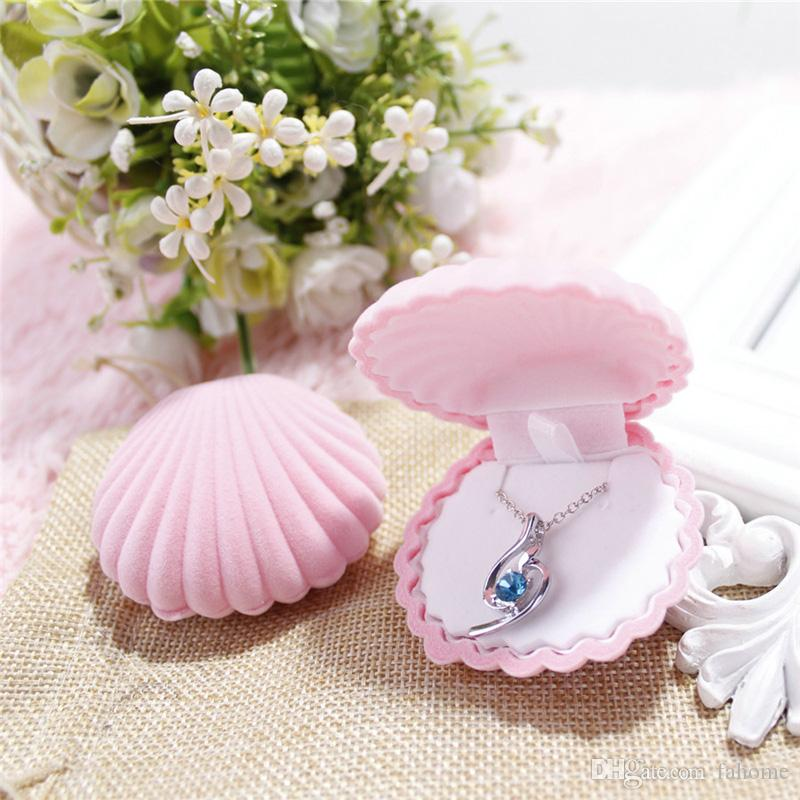 Ring Necklace Earring Box Velvet Valentine Gift Display Shell Shape Jewellery Case wedding accessories 6.5*5.5*3cm
