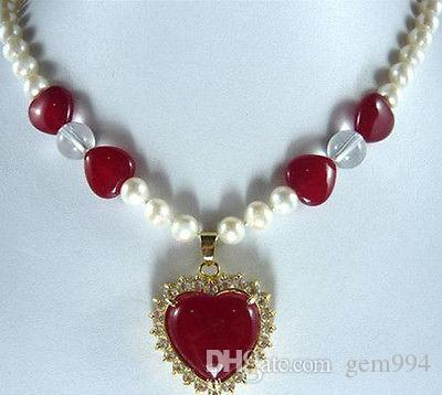 Neue 7-8mm Süßwasser Perlenkette Rot / Heart-shaped Jade-Anhänger