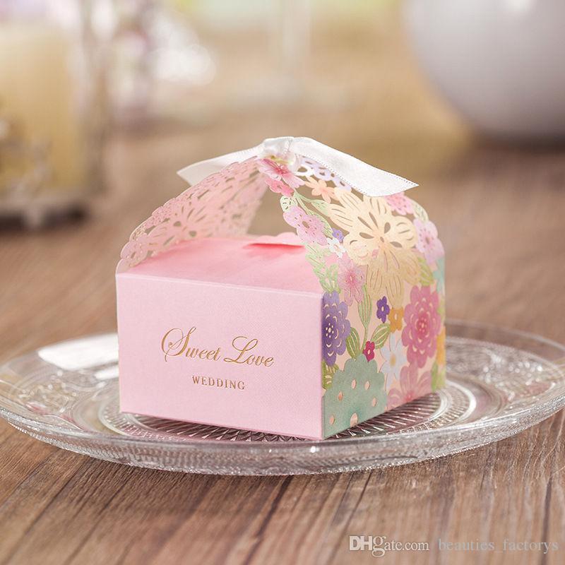 50 stücke Blume Laser Cut Pralinenschachtel Dekoration Geschenkboxen Neue Hochzeit Faovrs Freies Verschiffen Neu