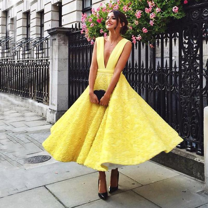 Fabulous Wedding Guest Dress Light Yellow Sexy Plunging Party Dresses A Line Sleeveless Lace Tea Lengt Backless Formal Gowns
