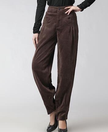 Pantaloni di velluto a coste per le donne più la dimensione a vita alta sciolto casual harem pantaloni per le donne a pieghe autunno primavera inverno nero rosso marrone seb0601