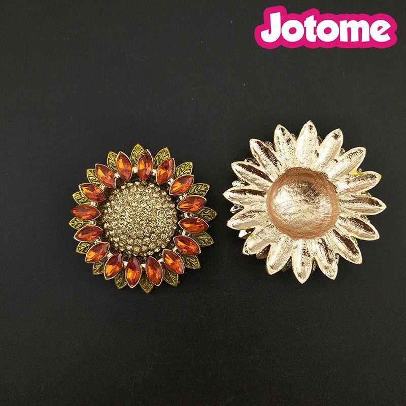 Sonnenblume-Blumenbroschen der flachen rückseitigen Sonnenblume 100pcs / lot für Frauenrhinestone-KristallPin-Brosche für Hochzeitsblumenstrauß