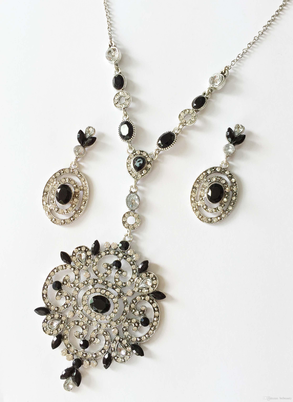 Nuovi gioielli in pietra resina Orecchini pendenti in metallo zirconi ornamenti in metallo Collana geometrica con orecchini in filigrana