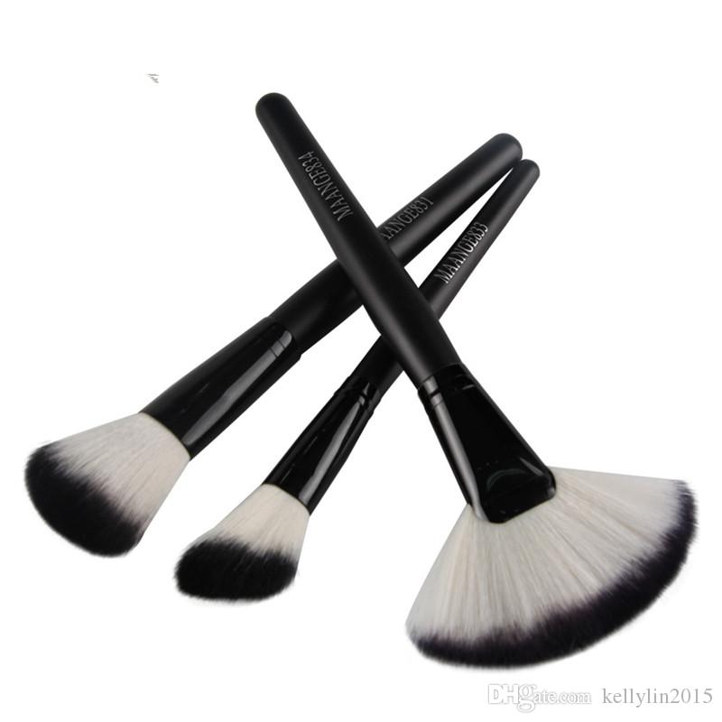 Large Fan Shaped Makeup Brushes 3pcs Blush Powder Foundation Wooden Handle Round Brush Cosmetic Makeup Brush Set
