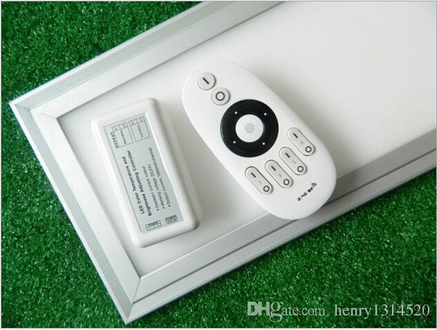 Luce di pannello a LED calda 300x1200mm con controller WIFI e telecomando per renderlo dimmerabile e regolabile in colore