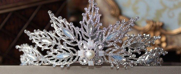 I nuovi orecchini corona 2017 si adattano alla sposa gioielli da sposa in cristallo principessa Europa e Stati Uniti fascia testa di diamante
