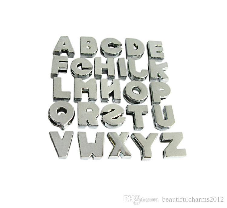 Commercio all'ingrosso 8mm 130pcs / lot A-Z Plain Plain Slide lettere Fit For 8mm bracciale in pelle braccialetto Accessori fai da te