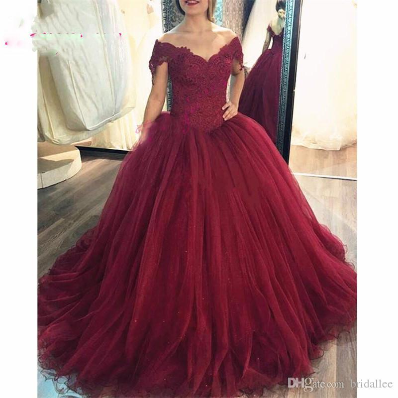 2019 Ball Burgundy robes de bal longues avec appliques robe à manches courtes pour l'obtention du diplôme Tulle formelle robe de soirée pour les femmes