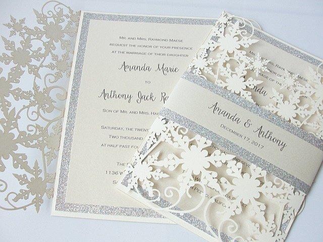 20 + colore inverno shimmy fiocco di neve laser cut invito a nozze con argento glitter bag di pancia avorio invito a nozze