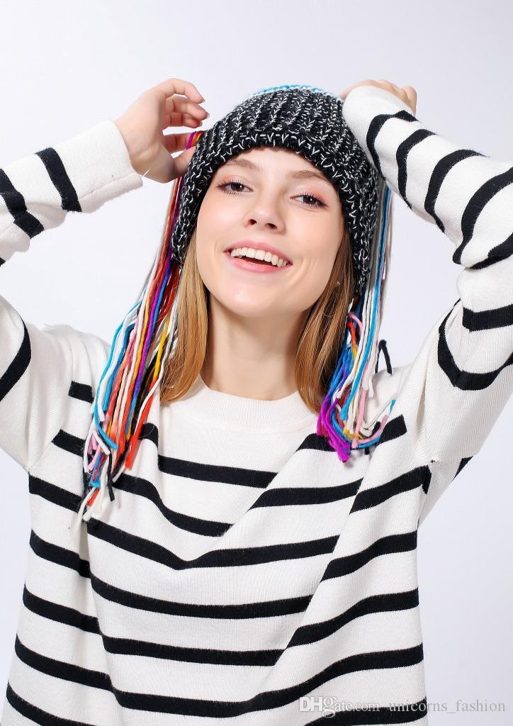Chapeau musical sans fil Bluetooth Smart Beanie Hat Musical Headphone Speaker Women Tassel Knitted Hat Microphone Hands CNY724