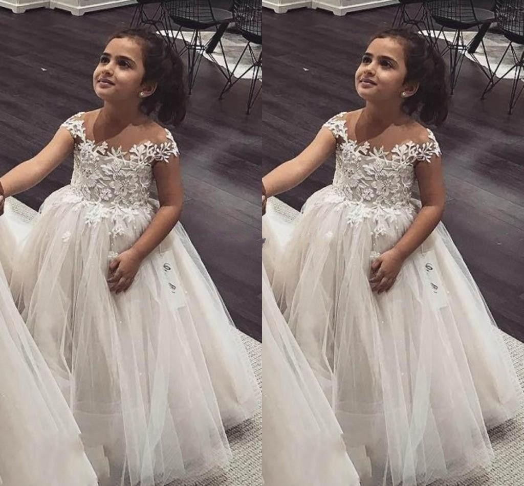 Ballkleid Blumen Mädchen Kleider Sheer Neck Cap Sleeves Spitze Tüll Prinzessin Kinder Brautkleider Infant Kleinkind Geburtstag Party Kleider